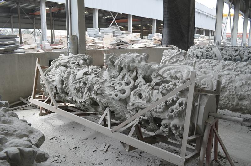 mangum-design-build-marble-statues-17