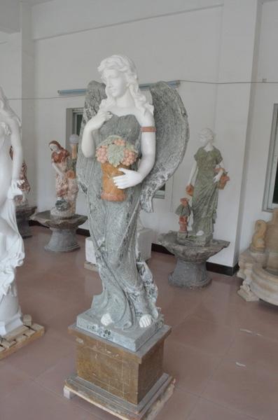 mangum-design-build-marble-statues-26