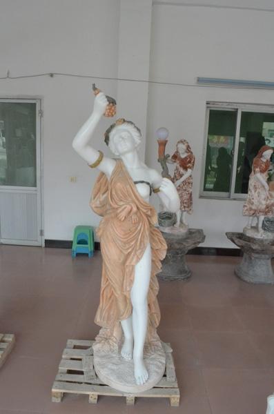 mangum-design-build-marble-statues-28