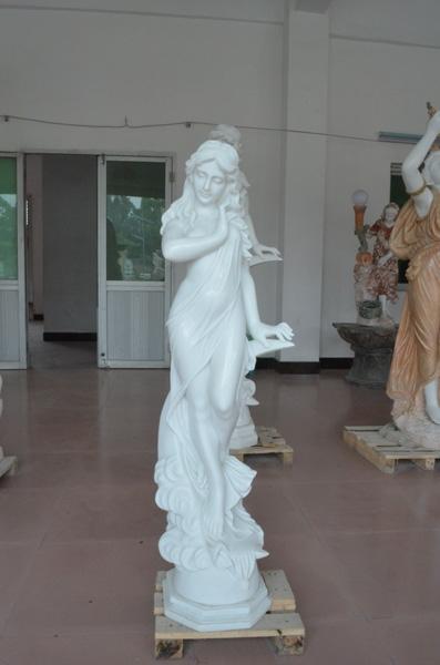 mangum-design-build-marble-statues-29