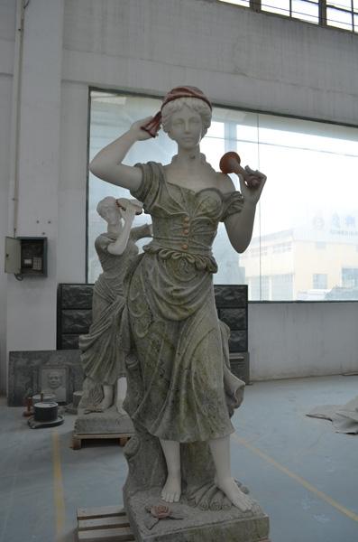 mangum-design-build-marble-statues-4