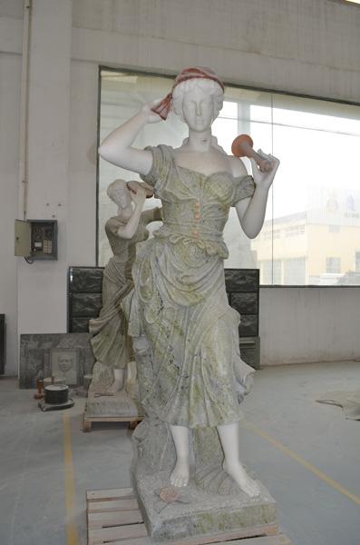 mangum-design-build-marble-statues-5