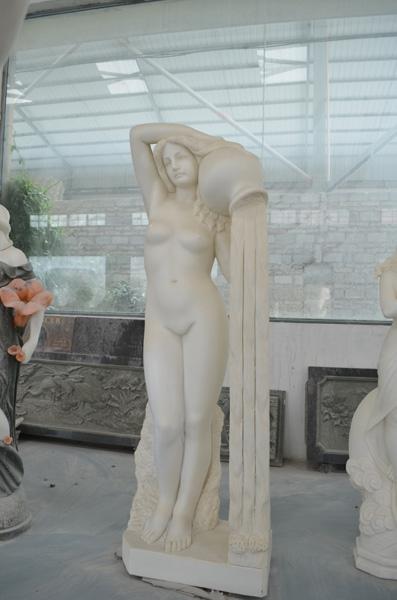 mangum-design-build-marble-statues-9