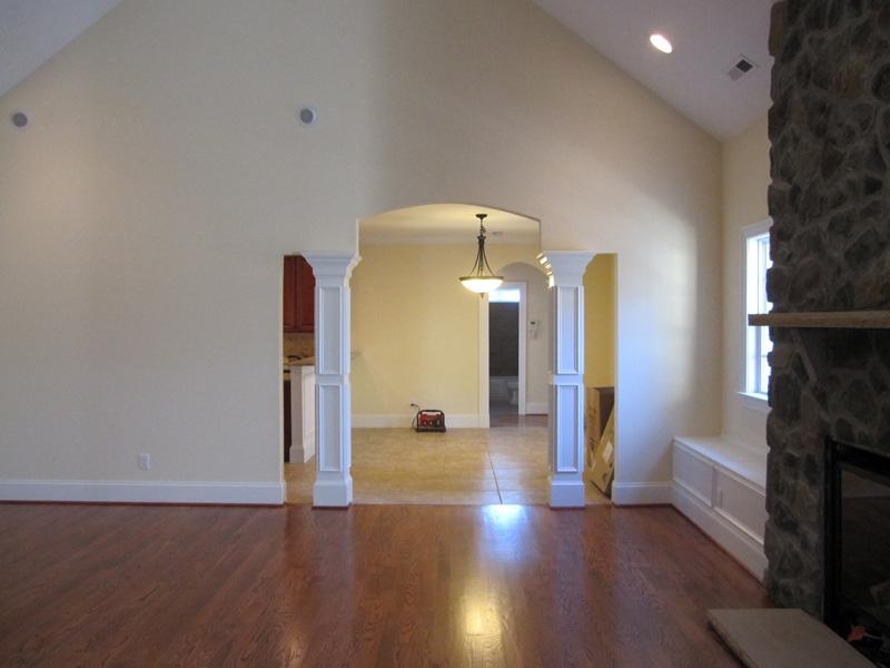 mangum-design-build-concrete-masonry-home-lr-11