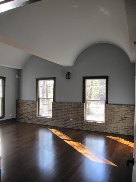 mangum-design-build-concrete-masonry-home-lr-1b